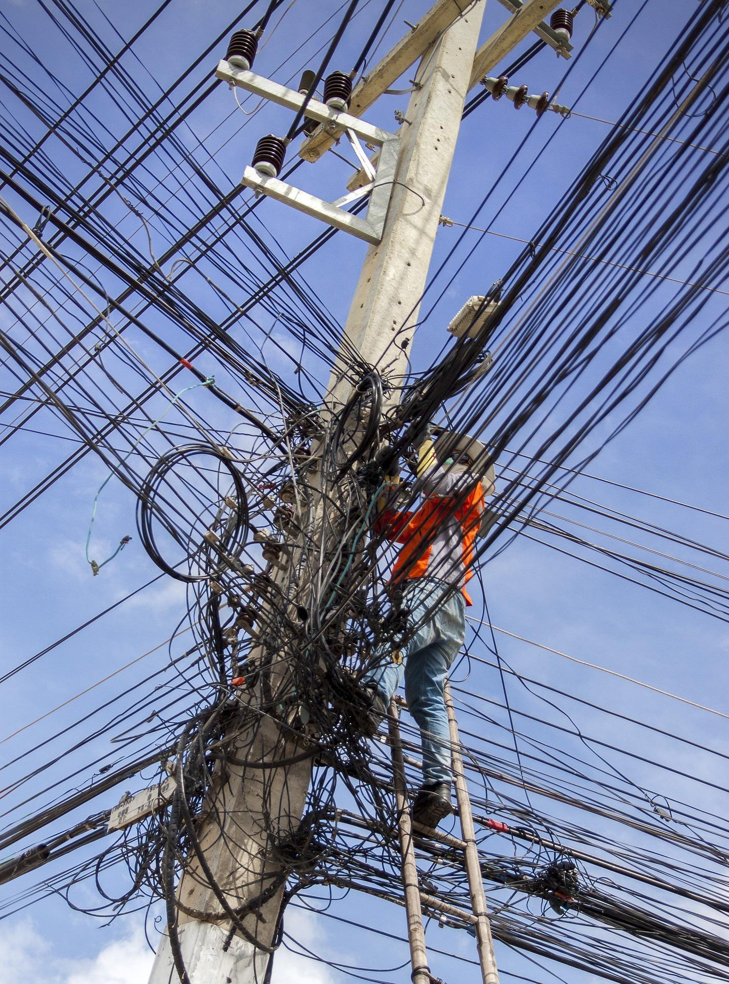 lineas electricas aereas  subterraneas